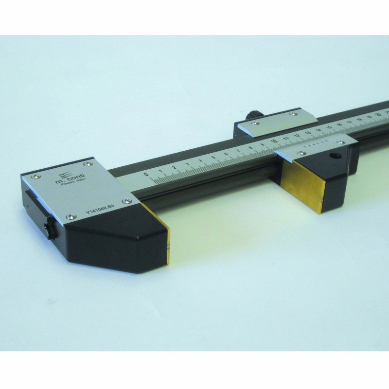 GAUGE FOR LINEAR MEASUREMENTS WITH STEEL PLATES